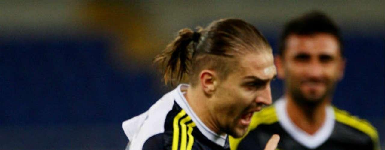 Los turcos llegaron a Roma con el 2-0 favorable de la ida y no pasaron excesivos apuros para aguantar los ataques de Lazio y lograr el pase en la UEFA Europa League.