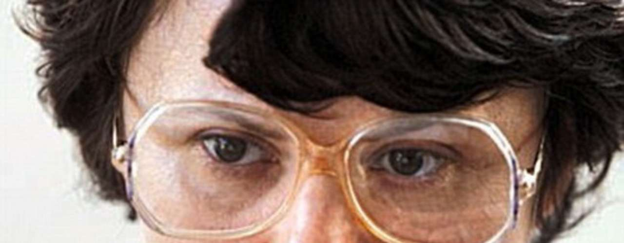 En el mismo país, Rosemary West fue condenada a cadena perpetua en noviembre de 1995 por 10 asesinatos y es sospechosa de otros 9 crímenes.