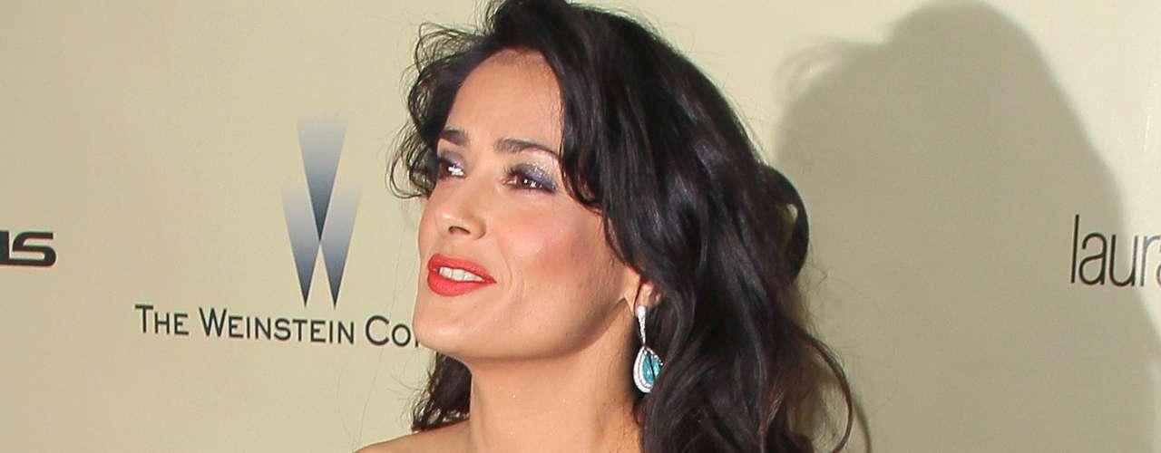 La mexicana Salma Hayek debutó como mamá en septiembre de 2007, a los 40 años, gracias a Valentina Paloma, la hija que procreó con el empresario francés François-Henri Pinault.
