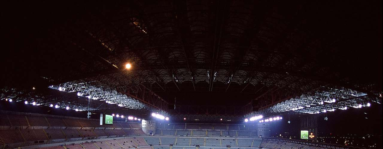 El San Ciro o Giuseppe Meazza, es octavo en la lista de Estadios en el Mundo y fue inaugurado en 1926.
