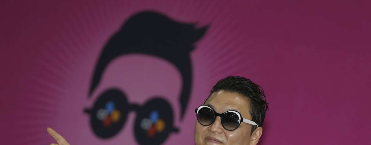 El cantante surcoreano Psy ha dado este sábado un gran concierto en Seúl transmitido en directo en YouTube para promocionar su nueva canción \