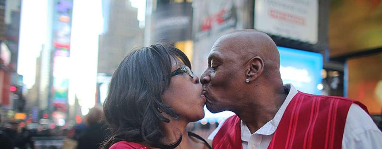 """Además de esta fecha, existe otra en la que pueden repartirse besos, el 6 de julio cuando se festeja en el Reino Unido el """"Día del Beso Robado""""."""