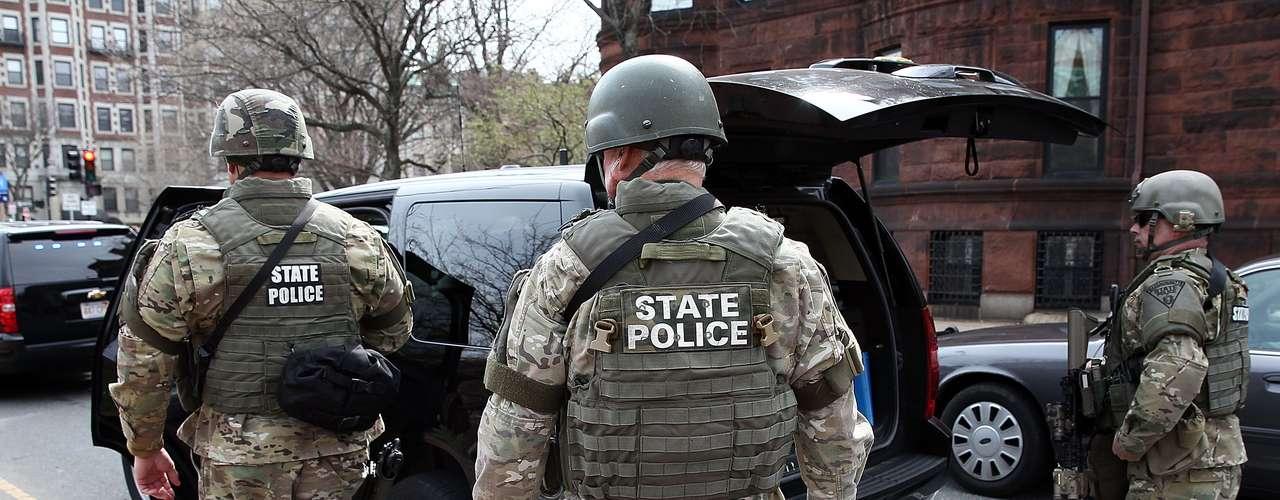 Los servicios de emergencia y las instituciones a nivel estatal también han sido puestos en estado de alerta, según anunció por su parte el gobernador del estado de Nueva York, Andrew Cuomo.