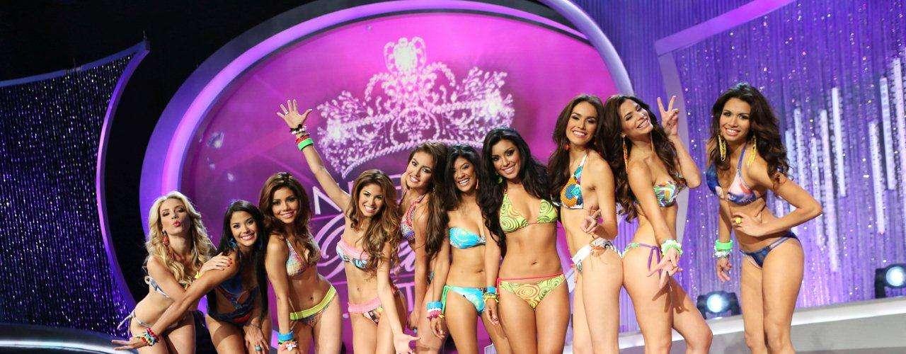 Ellas son las 10 mujeres que continúan en el certamen, representando lo mejor de la belleza Latina, chicas llenas de entusiasmo, talento, carisma, alegría y por supuesto, de espectaculares cuerpos.