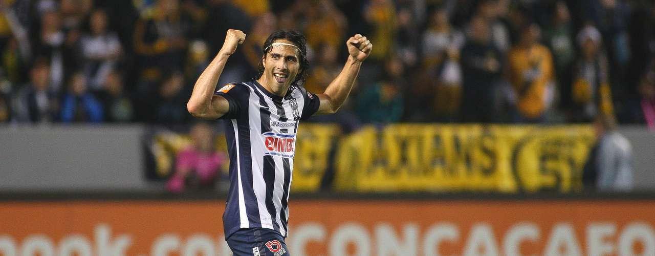 El delantero de Monterrey Aldo de Nigris percibe como sueldo por un año 1.5 millones de dólares y la carta es de 3 mdd