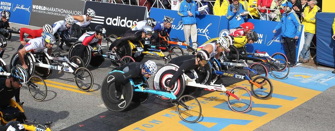 Con el canadienseJoshua Cassidy defendiendo el título, los atletas en silla de ruedas dan inicio a la competencia.