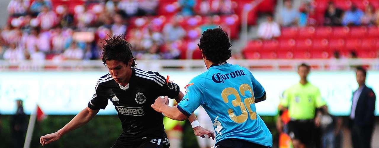 Carlos Fierro jugó como mediocampista y generó peligro por los costados.