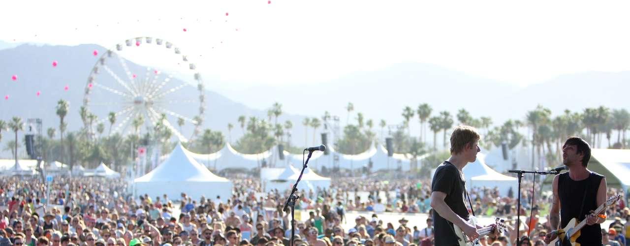 Este año se han dado cita en el festival grupos como Savages, los Stone Roses, Sigur Ros, New Order, Nick Cave o Modest Mouse.