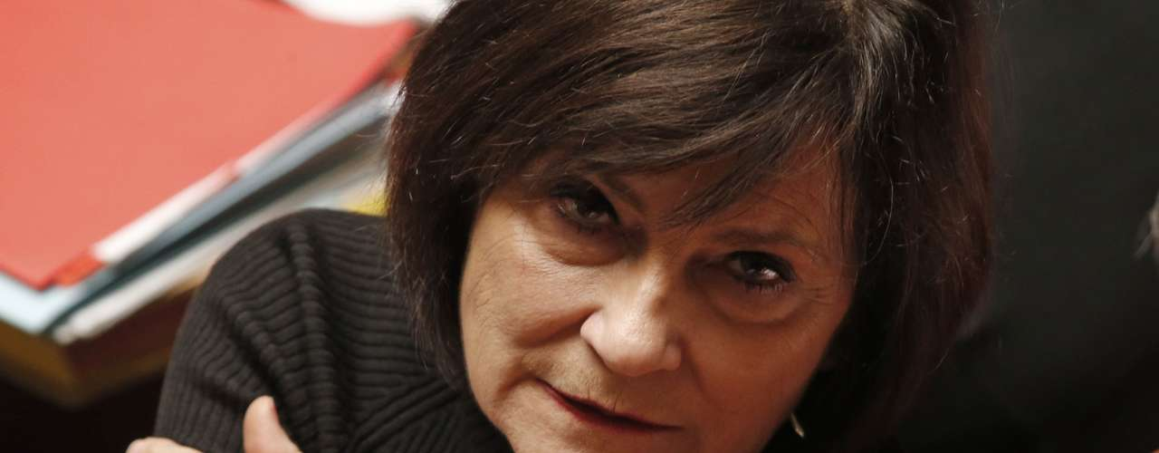 Marie-Arlette Carlotti, Ministra de Discapacidad y Exclusión. Se anticipó ypublicó el 8 de abril su declaración con un patrimonio total de 638 485 euros, la mayoría en posesiones inmobiliarias