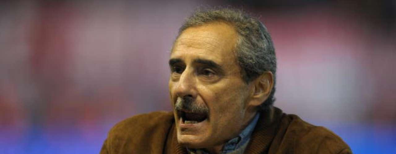 VALE EL BOLETO. El estratega argentino Ángel Cappa, en una ocasión acudió a ver un partido del club merengue con una misión específica: \