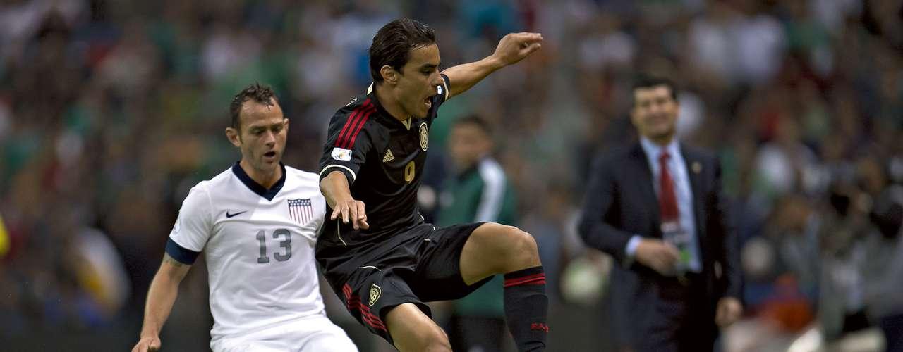 Omar Bravo retomó nivel, ya estuvo en la jornada anterior de la Eliminatoria y es el delantero de mayor experiencia, sus compañeros son Rafa Márquez Lugo y Raúl Jiménez.