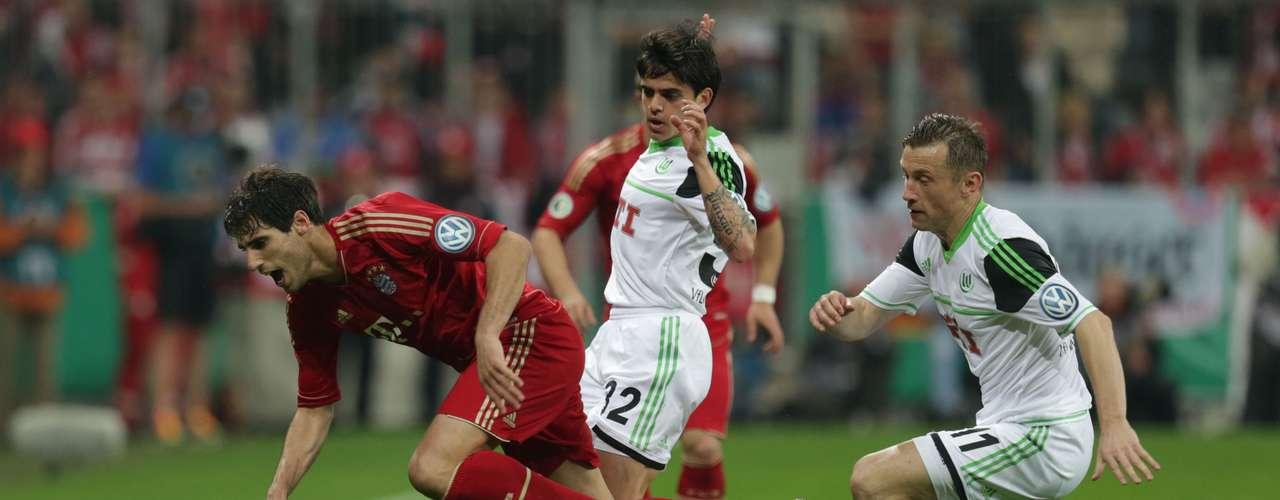 El gol visitante fue obra del brasileño Diego, que dio esperanzas a su equipo (2-1) al filo del descanso (45) con un duro disparo desde fuera del área.