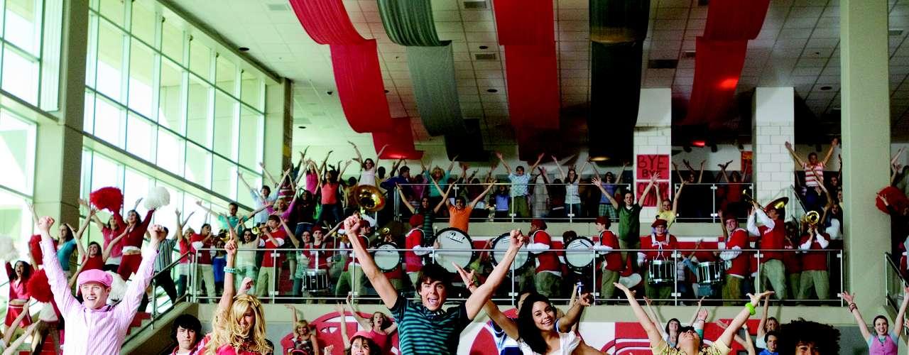 High School Musical fue la gran revelación de Disney Channel en 2006. Ganadora de un premio Emmy, está protagonizada porZac Efron, Vanessa Hudgens, Ashley Tisdale.
