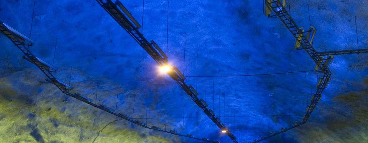 Túnel de Laerdal, Noruega Este construcción es considerada en la actualidad como el túnel de carretera más largo del mundo con 24.5 kilómetros de longitud, conectando a las ciudades de Laerdal y Aurland en la costa sur de Noruega.
