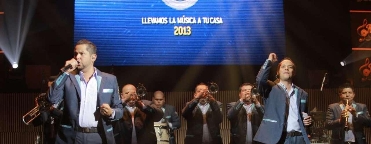 La Original Banda El Limón de Salvador Lizárraga presentó con un mega concierto su más reciente disco \