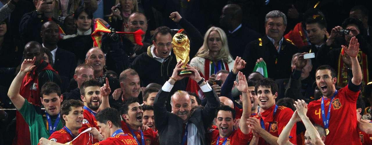 Vicente del Bosque llevó a España a ganarla Copa Mundial enSudáfrica 2010.