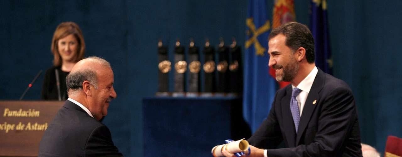 Meses más tarde, recibió el premioPríncipe de Asturias 2010.