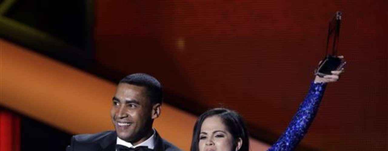 El reguetonero ganó en las categorías Artista Masculino del Año, Canciones, y Canción del Año, Digital con \