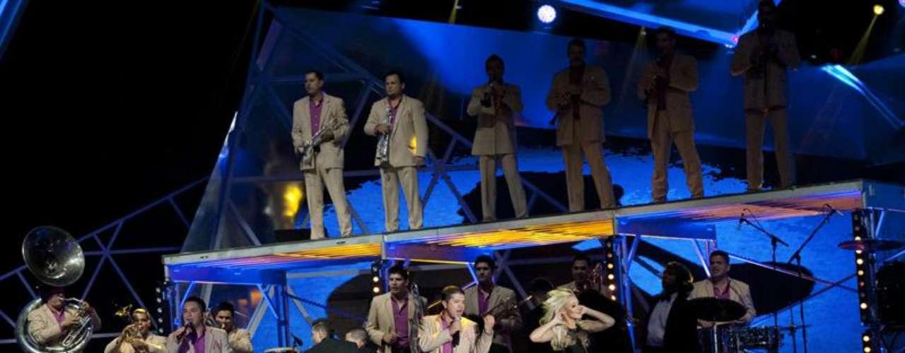 Además de celebrar su victoria, la banda sacó la casta por el género regional mexicano.