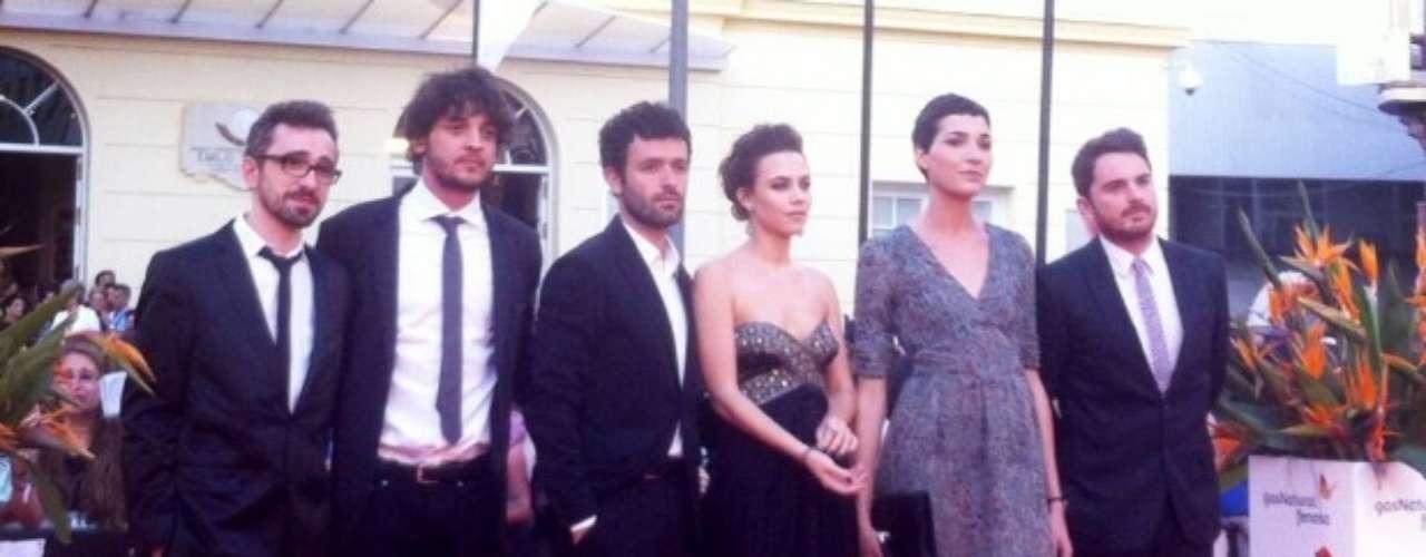 El equipo de 'Stockholm' del director Rodrigo Sorogoyen en la alfombra roja del Festival de Málaga.