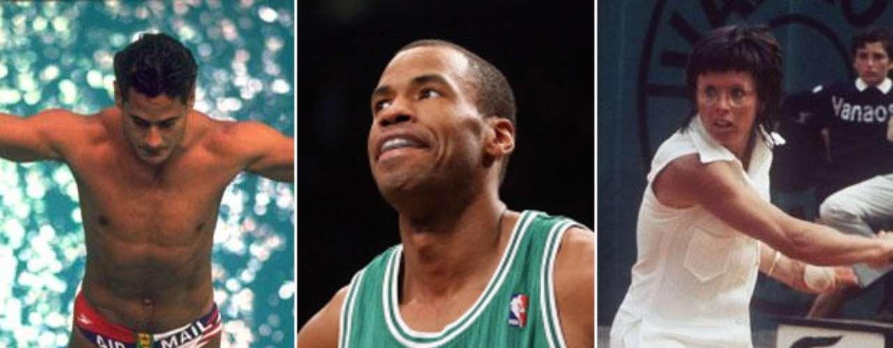 El jugador de la NBA Jason Collins (centro) anunció que es gay. Collins es el último atleta en \