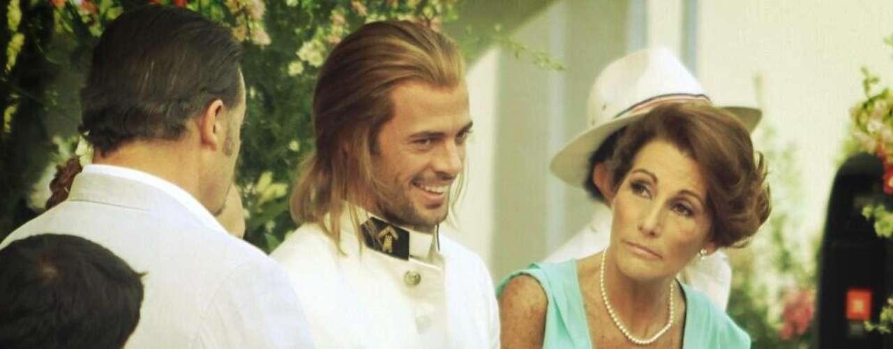 William Levy sonríe y se prepara para el comienzo de su nueva telenovela 'La Tempestad'.
