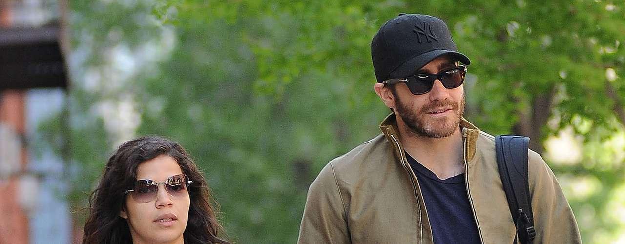 ¿Será esta una nueva alerta de romance en Hollywood?America Ferrera, la protagonista de 'Ugly Betty' y el bombón Jake Gyllenhaal fueron captados almorzando juntos en un restaurante de la gran manzana. Hmmmm...