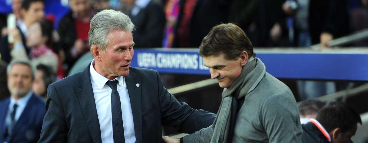 Sin embargo, su saludo fue muy distinto al de José Mourinho y Jürgen Klopp, pues parece que hoy no hubo tiempo para los abrazos.