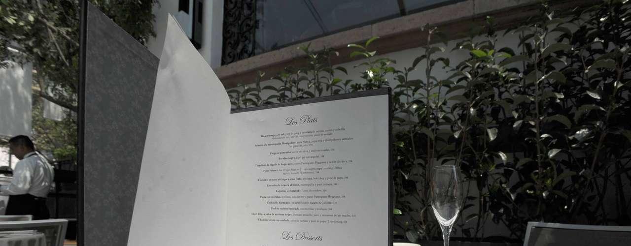 El menú de Morablancaestá inspirado en la cocina que se servía a mediados del siglo XX en la zona de Polanco. En aquellos tiempos Europa y el mundo vivían un \