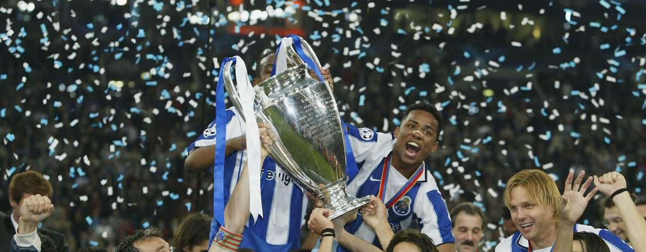 Porto conservó el invicto en finales de Champions League al ganar su segunda 'Orejona' en su historia