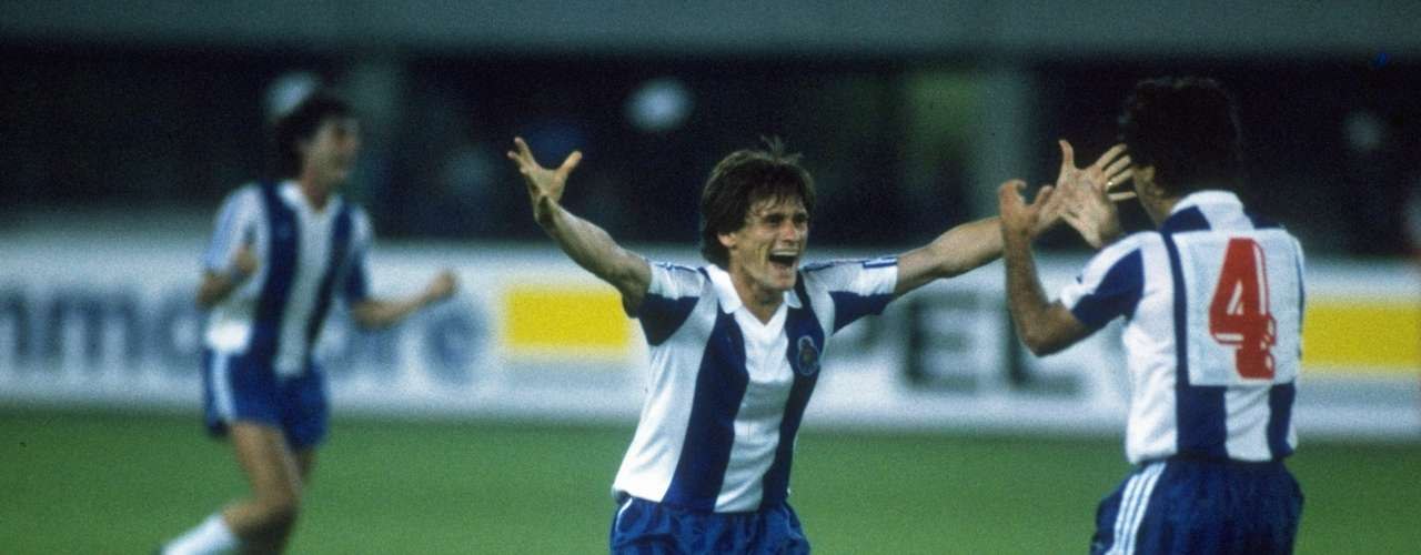 Los jugadores del Porto celebran tras el silbatazo del árbitro