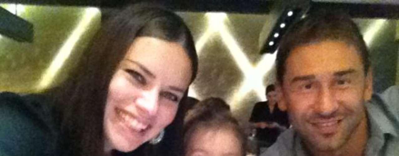 Es madre de la pequeña Valentina y en la actualidad espera a su segundo hijo.