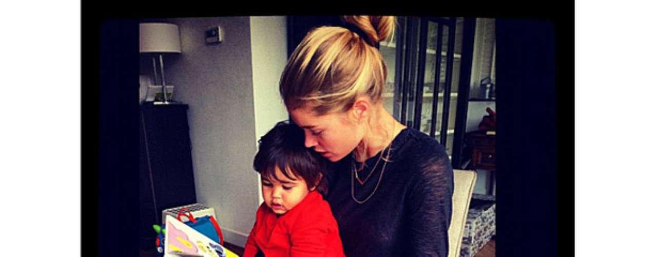 La modelo y su esposo tiene un hijo llamado Phyllon. La rubia se convirtió en madre en enero de 2011