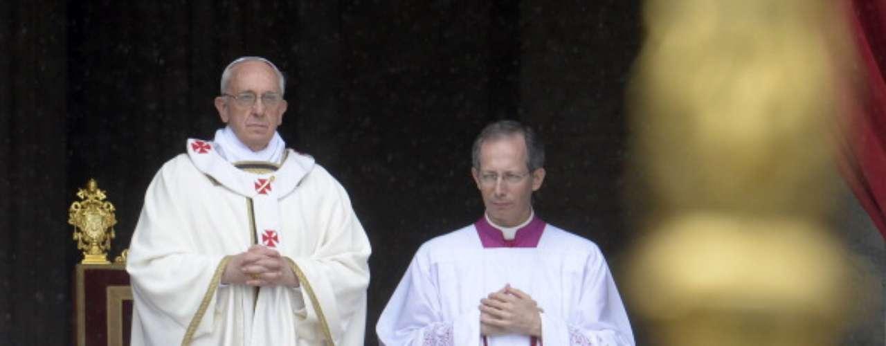 Esta misa se enmarca dentro de la celebración de la Jornada de las Hermandades y de la Piedad Popular.