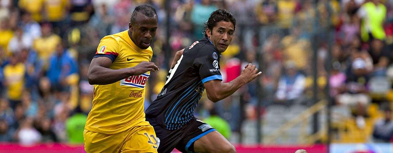 En la quinta fecha, inauguró los cartones en esta acción en la goleada de4-0 en La Corregidora, frente al Querétaro.