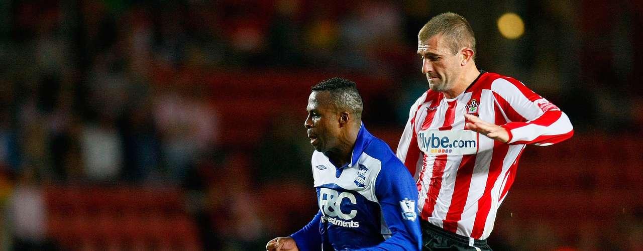 El 7 de julio de 2009, 'Chucho' firmó contrato con el Birmingham City de la Liga Premier, en calidad de préstamo con opción a compra.