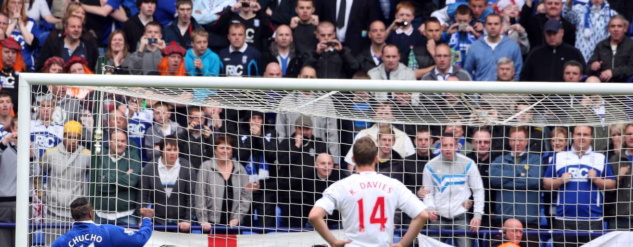Sin pena ni gloria, Benítez tuvo que abandonar el futbol inglés, luego de que el Birmingham no hiciera efectiva la opción de compra y volvió a Santos Laguna.