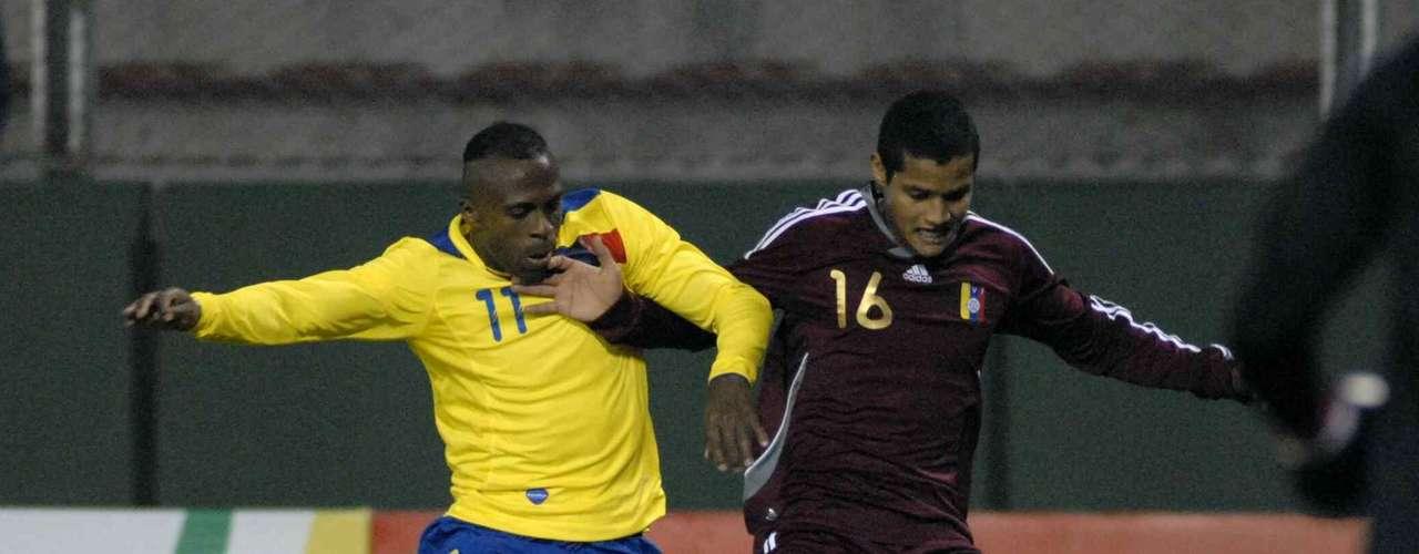 Christian Benítez ha participado con Ecuador en dos Copas América, Venezuela y Argentina, en ambas se ha quedado en la primera ronda.