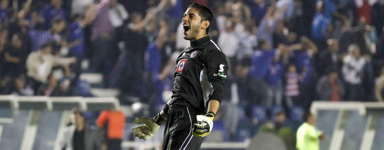 Morelia reaccionó para poner el 4-2 con gol de Carlos Ochoa, pero Cruz Azul se llevó una buena ventaja para el juego de Vuelta