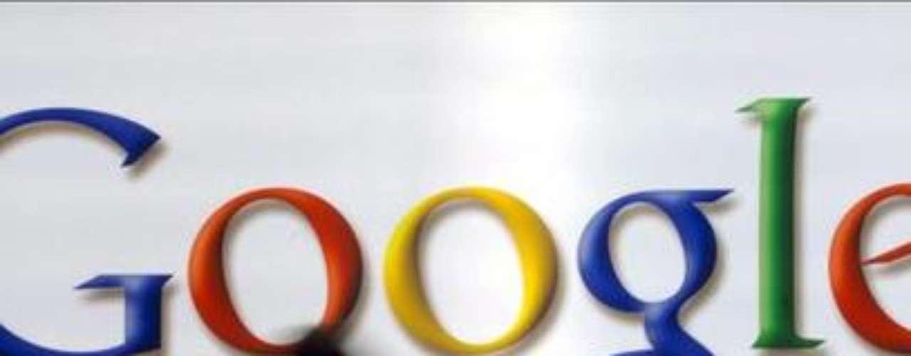 1998. Fundación de Google. El gigante de las búsquedas fue creado por Larry page y Sergey Brin con el objetivo de organizar la inmensa cantidad de información disponible en la web, con una interfaz simplificada desde el primer momento. Ya existían motores de búsqueda como Webcrawler, go.com y Lycos desde 1994.