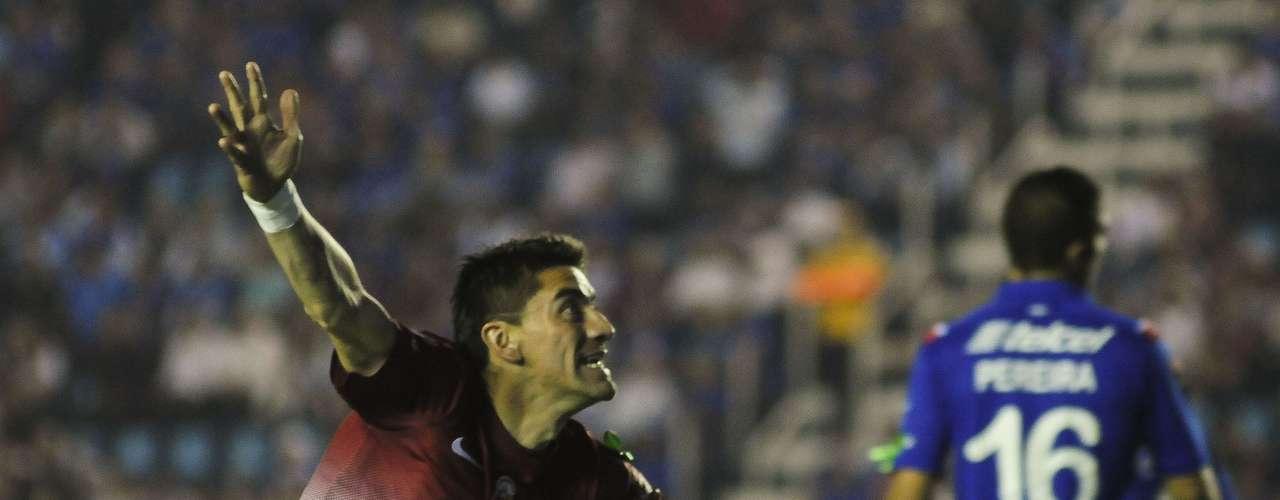 A los dos minutos de juego Héctor Mancilla abrió el marcador a favor de Morelia