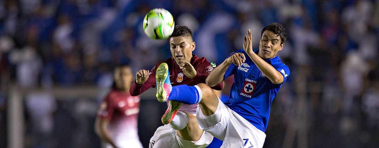 Cruz Azul tuvo un inicio de partido muy incierto y fue dominado por el cuadro michoacano