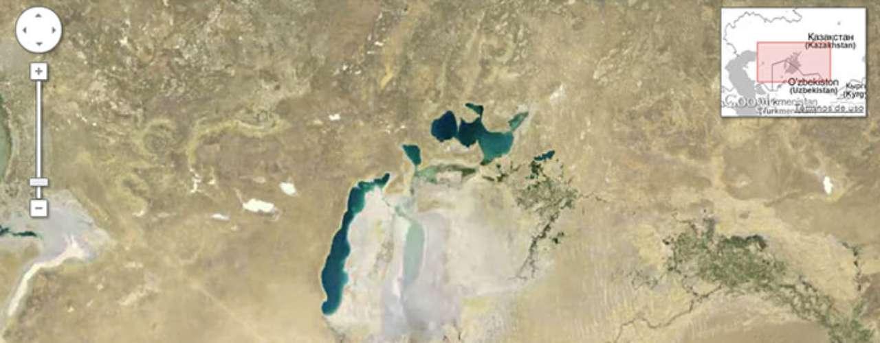 Debido al desvío del agua para irrigación, el Mar Aral se ha reducido casi en su totalidad. Muchas áreas de la otrora vasta extensión de agua,se secaron completamente antes del 2009.