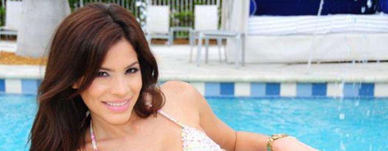 Aunque Viviana Ortíz no se queda atrás con sus curvas no aptas para cardíacos ¿Será ella la próxima dueña de la corona?
