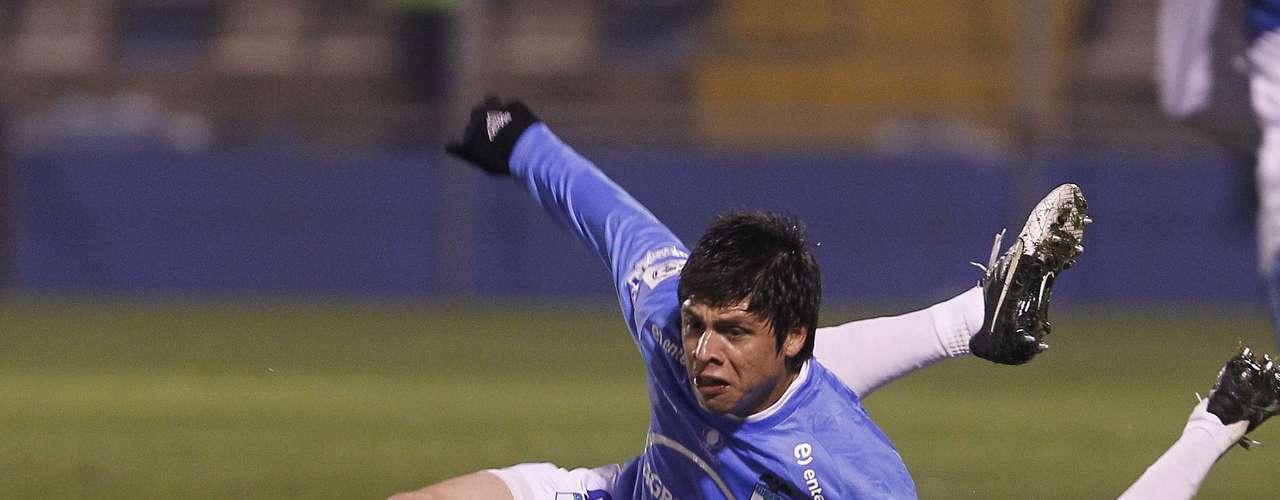 JUAN RODRIGO ROJAS: El volante paraguayo de O`Higgins termina contrato en junio con los celestes y en Azul Azul lo quieren si Charles Aránguiz se va.