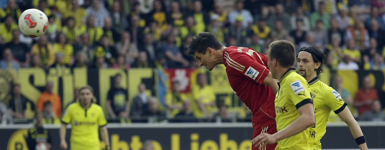 Bayern leads the series with 41 wins to Dortmund's 26; there have been 28 draws.
