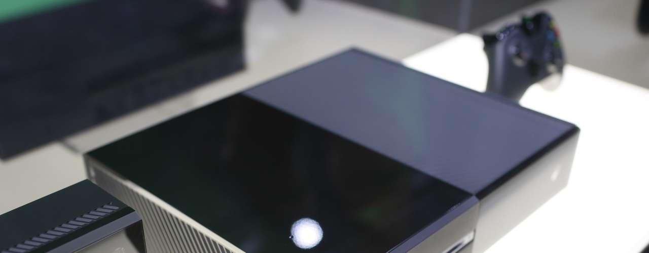 Microsoft dio a conocerXboxOne, su nueva consola que saldrá al mercado para finales del 2013. La compañía dijo que ampliará la información sobre los contenidos de Xbox One en la feria E3, que se celebrará del 11 al 13 de junio en Los Ángeles.