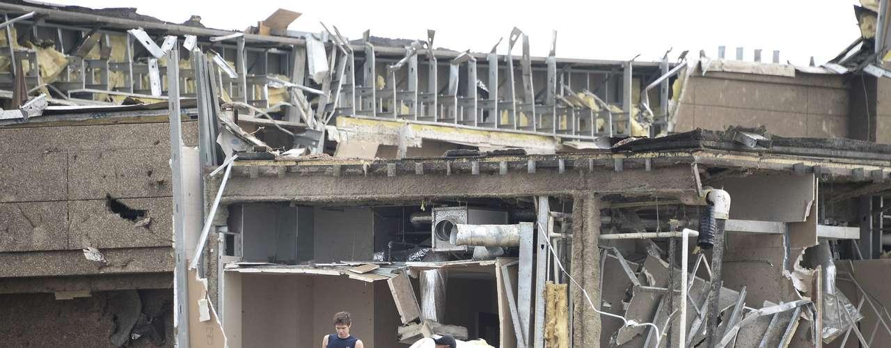 La localidad de Moore ya había sido destruida en parte en mayo de 1999, cuando un potente tornado mató a 44 personas.