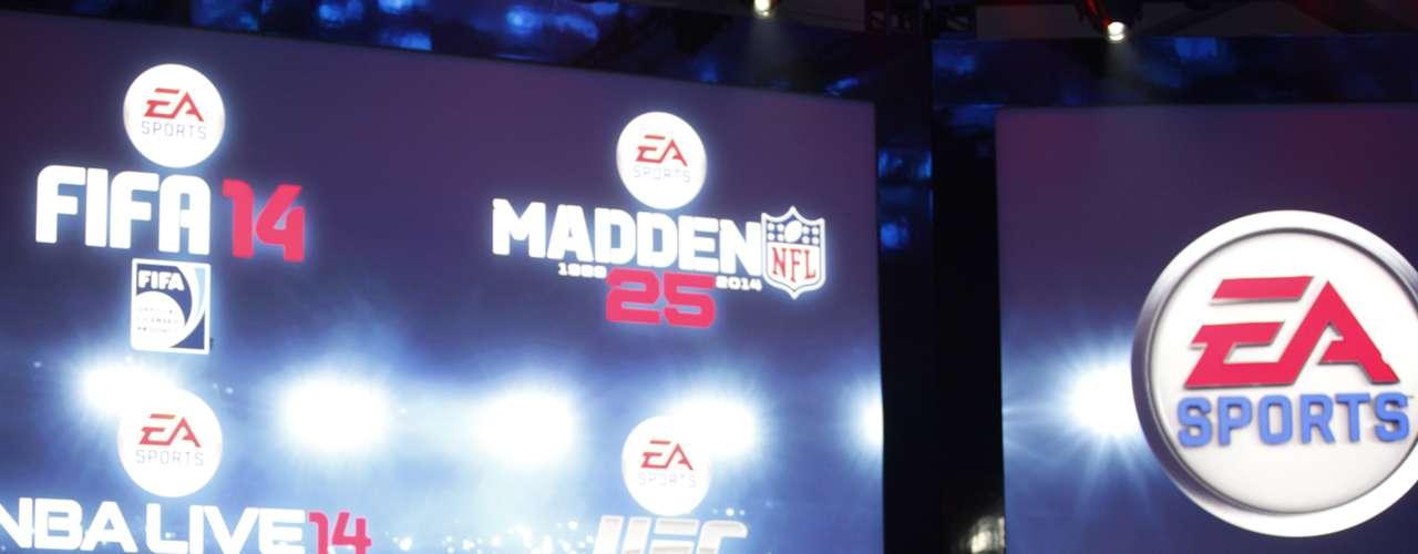 Andrew Wilson, vicepresidente ejecutivo de EA Sports, habla de los juegos que su compañía va a desarrollar para Xbox. FIFA 14 saldrá en exclusiva para la nueva consola de Microsoft