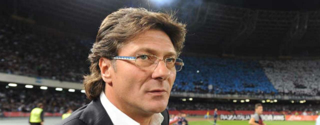 El ex entrenador del Napoli, Walter Mazzarri, firmó un contrato de dos años con el Inter de Milán.